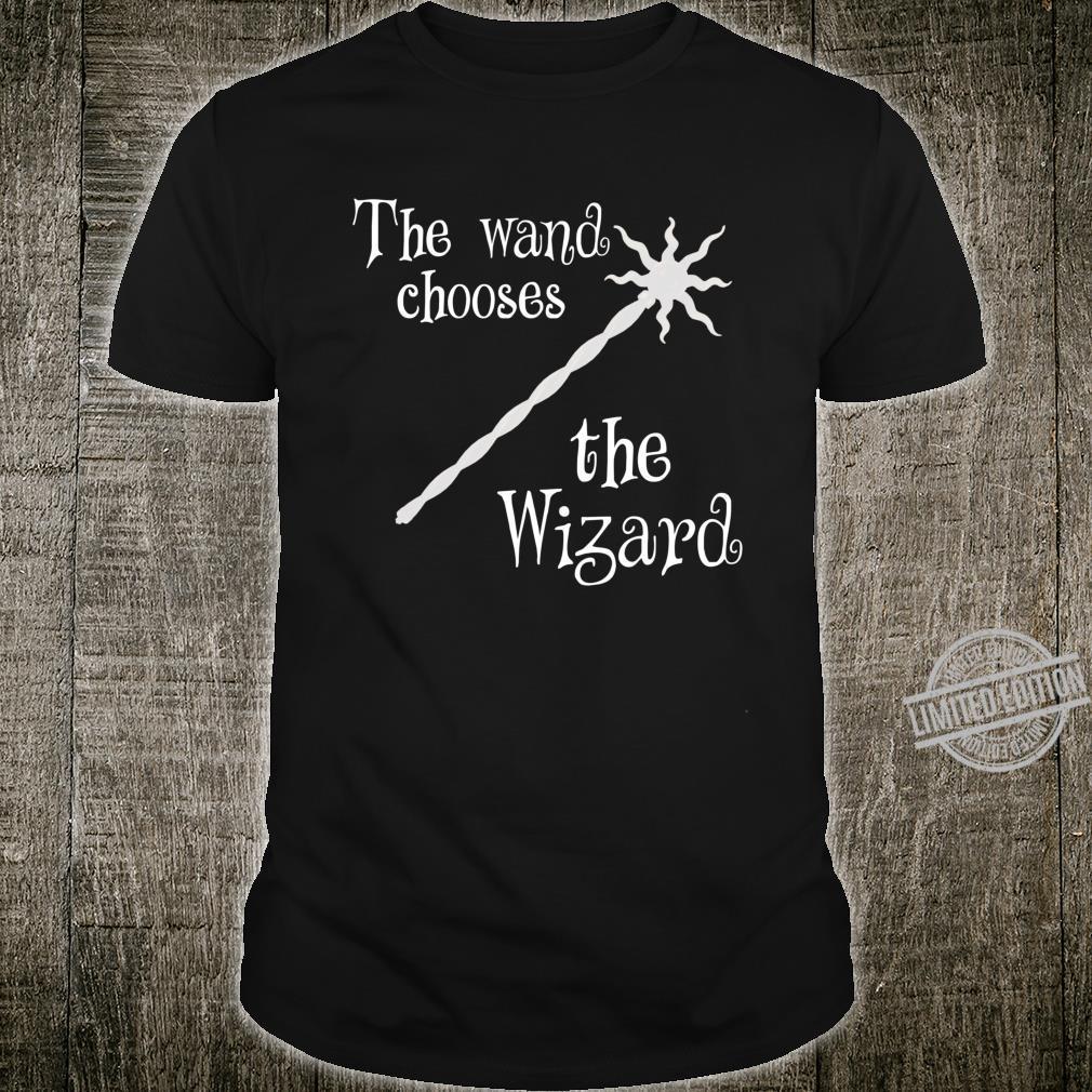 Der Zauberstab wählt den Zauberer Medieval Dungeon Shirt